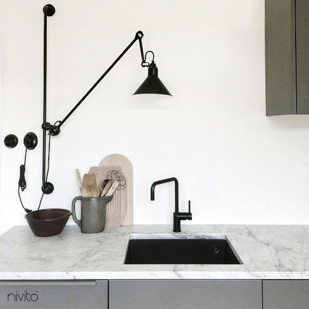 キッチン 蛇口 黒