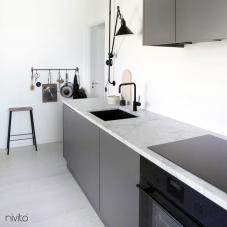 黒 キッチン蛇口 - Nivito 5-RH-320